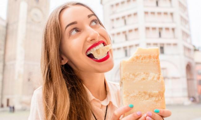 7 неща, които се променят в тялото, ако всеки ден ядете сирене