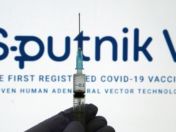 Повечето руснаци не планират да се ваксинират срещу коронавируса, според