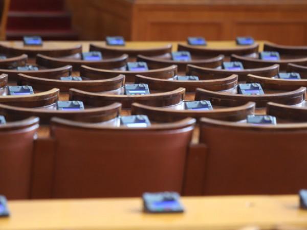 Служебният кабинет, оглавен от Стефан Янев, ще проведе първото си