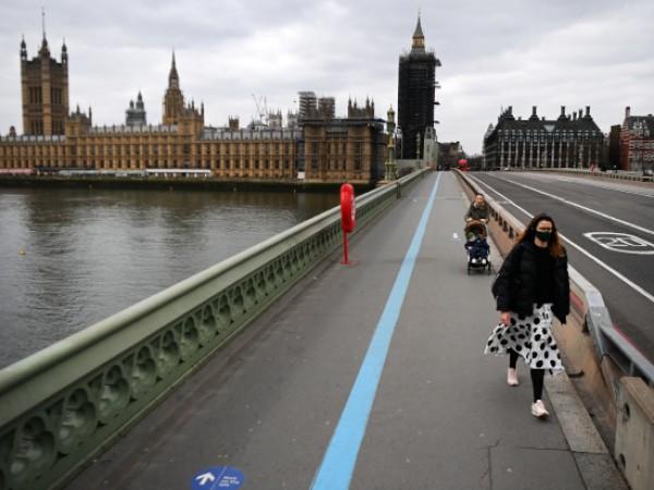 Част от чужденците, живеещи във Великобритания, се опасяват, че може