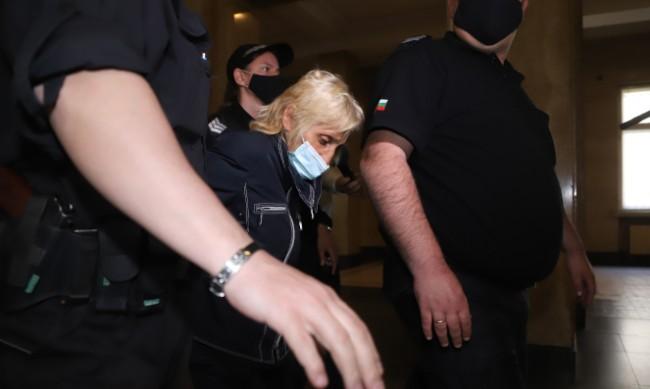 Ще остане ли в ареста бабата, обвинена за смъртта на внучката си?
