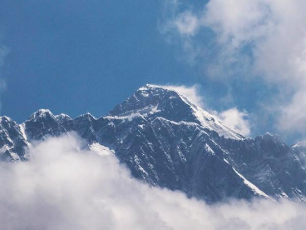 Двама алпинисти, един от САЩ и един от Швейцария, са