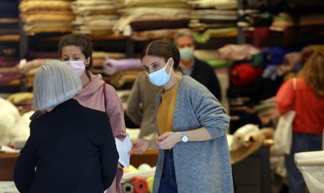 Гърция слага край на карантината, маските обаче остават