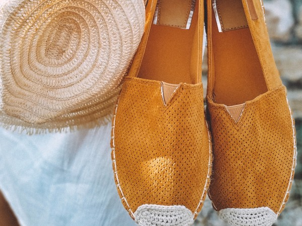 Риана зададе нова модна тенденция за лятото.Звездата публикува в Instagram