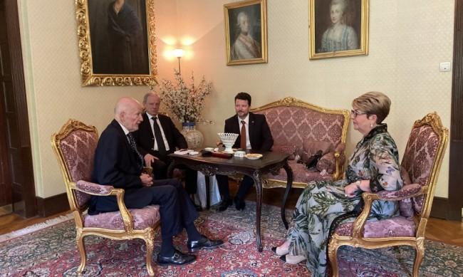 Царя обсъди тесните връзки с Русия с посланик Митрофанова
