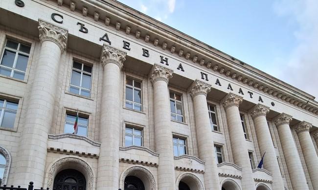 Осъдиха НАП заради хакерската атака и теча на данни
