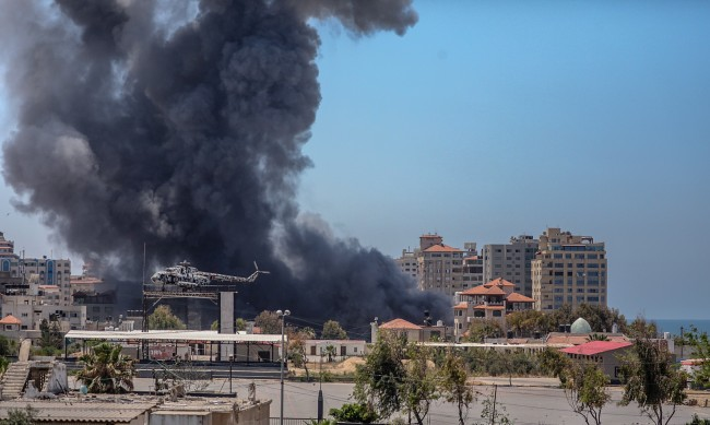 Хамас изстреля 250-килограмова ракета към летище в Израел