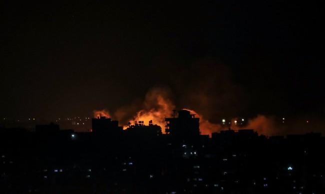 Въздушните и сухопътните сили на Израел започнаха атака в сектора Газа