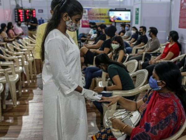 Расте броят на регистрираните случаи на COVID-19 в Индия. Днес