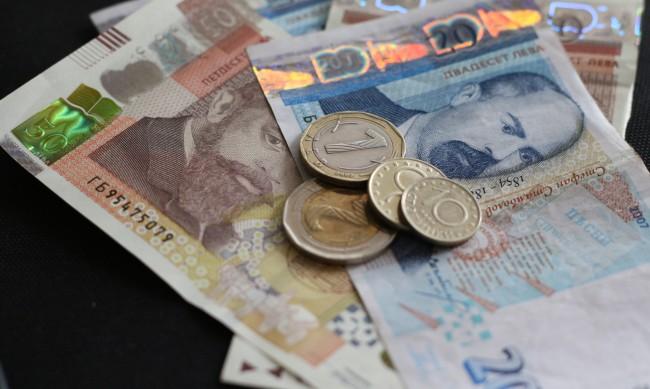 Средната брутна заплата расте, 1500 лв. е за март
