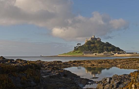 Искате да живеете в замък? Трябва дискретност и да нямаш морска болест
