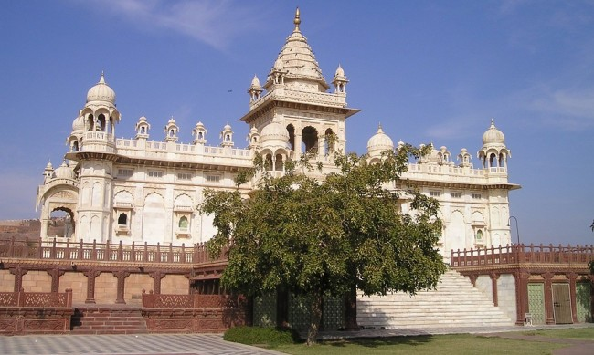 Индийски махараджи превръщат дворците си в хотели