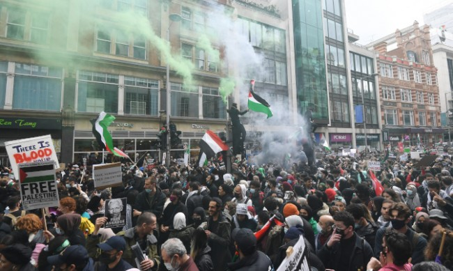 Сблъсъци между протестиращи и полиция в Лондон