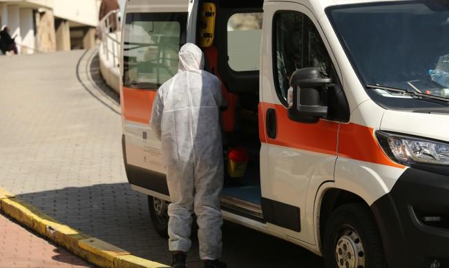 Едва 203 заразени с коронавирус, починалите под 10