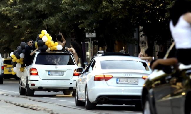 Еуфорията около баловете води до пътни инцидети