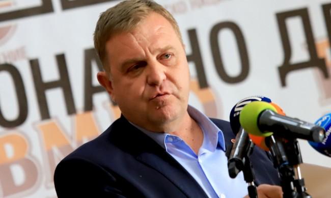 """Каракачанов: В следващото НС трябва да има """"стена"""" срещу протестърските формации"""