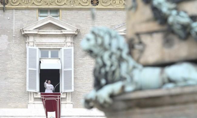 """Папа Франциск: Има опасност от """"спирала на смъртта"""" в Близкия Изток"""
