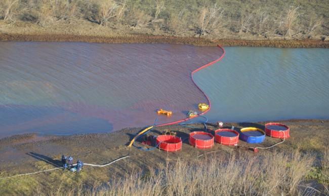 Петролен разлив в Русия предизвика опасения за екокатастрофа