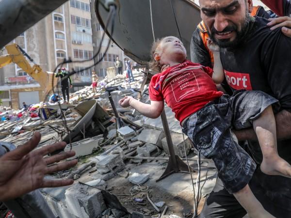 Снимка: БГНЕСВ Израел и Газа въздушните удари продължават, разрушавайки сгради,