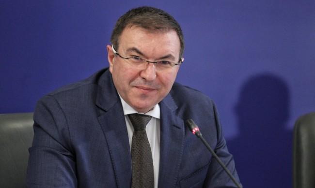 Ангелов обвини Кацаров в три лъжи, свързани с пандемията