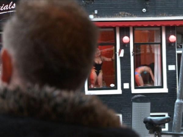 Нидерландия тази седмица подновява работата на публичните домове в рамките