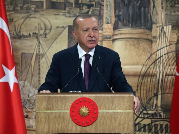 Турският президент Реджеп Тайип Ердоган призовава папа Франциск да помогне