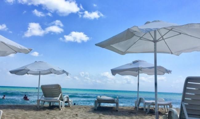 Безплатни чадъри на плажа? Нямало как да стане и това лято