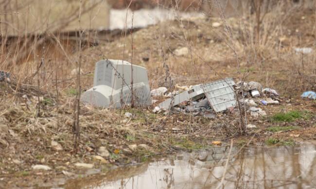 5000 тона отпадъци са събрани от незаконни сметища в София