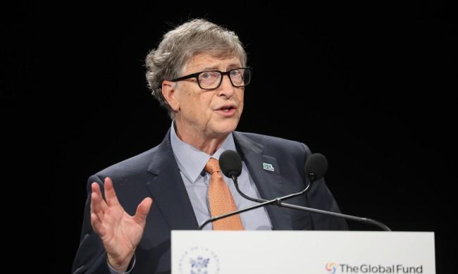 Аферите на Бил Гейтс: Филантропът постоянно канел жени на среща