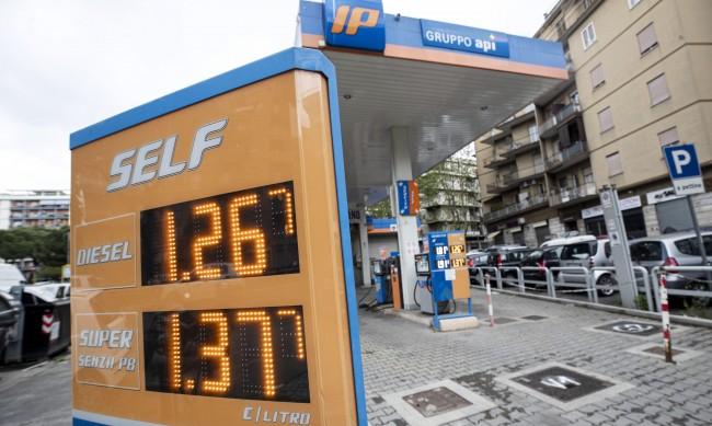 След отварянето на икономиките: Петролът брент поскъпна със $70 на барел