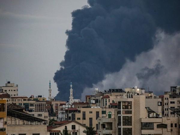 Дом на около два милиона души, ивицата Газа е дълга