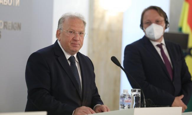 Министър Стоев: Без промяна в националната позиция за РС Македония