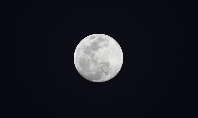Как пет думи изпратиха САЩ на Луната?