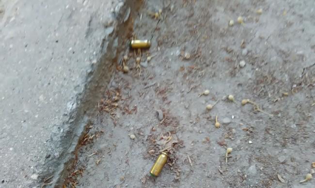 Задържаха двама мъже за стрелба с газов пистолет в Шумен