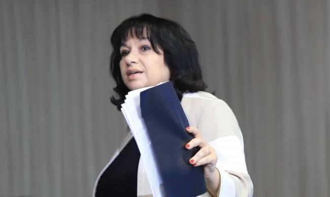 Теменужка Петкова обвини в лъжа министър Андрей Живков