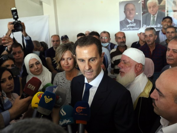 Досегашният сирийски президент Башар Асад бе преизбран за нов седемгодишен