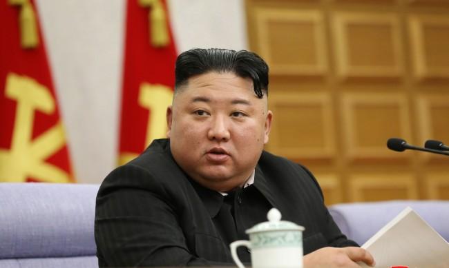 """Северна Корея използва деца """"доброволци"""" за работа в мините си"""