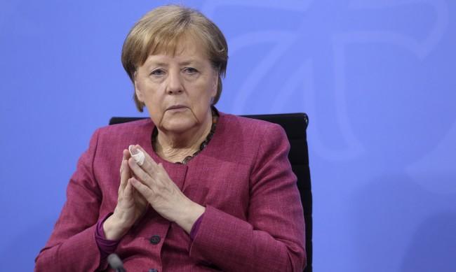 Помагала ли е Дания на САЩ да шпионира Ангела Меркел и други евролидери?
