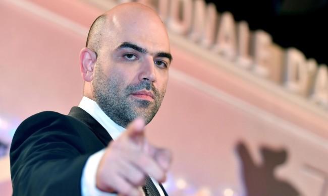 Роберто Савиано към италианската мафия: Проклети гадове, все още съм жив