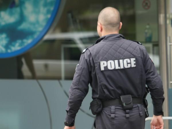 Прокурори са обискирали дома и кабинета на висш полицай от