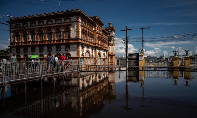 Река Рио Негро с най-високото ниво от 120 години