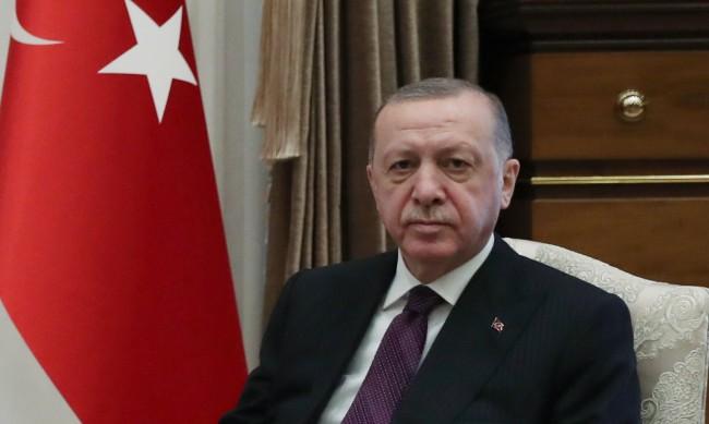 """Турция предупреди Ирак: Ще """"прочисти"""" бежански лагер"""