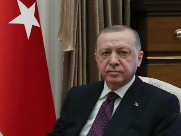 Президентът на Турция Реджеп Тайип Ердоган предупреди Ирак, че страната