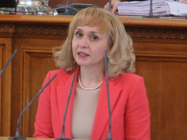 Омбудсманът Диана Ковачева настоява гражданите да бъдат информирани при прекратяване