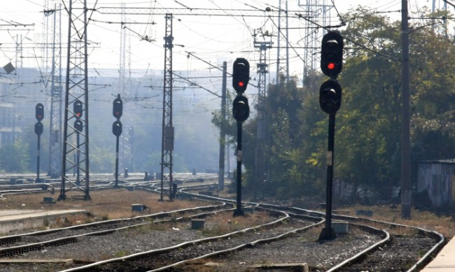 Пътнически влак в Китай уби деветима работници