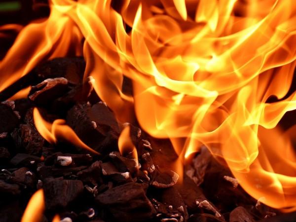 Пожар е избухнал във фабрика за муниции в сръбския град