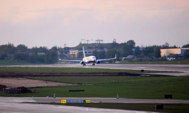 Беларуски самолети няма да могат да кацат на летища в ЕС