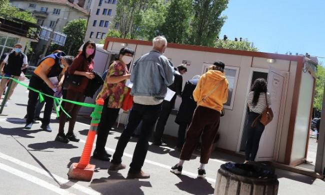 """""""Зелени коридори"""" за ваксини на открито и този уикенд"""