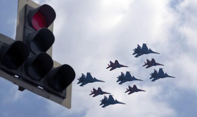"""Официално: Путин подписа отказа от """"Открито небе"""""""
