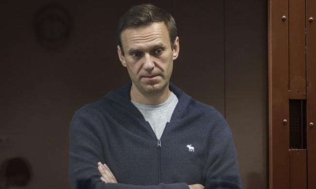 Навални напусна затворническата болница, върна се в колонията